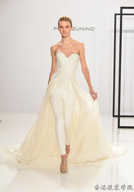 虽说斗篷很霸气,但对于婚纱设计师来讲