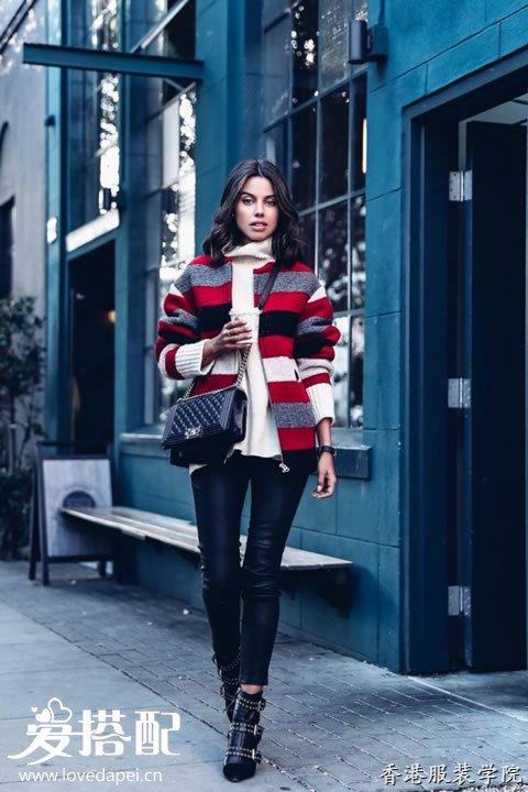 皮裤和高领毛衣也是冬季的基础单品