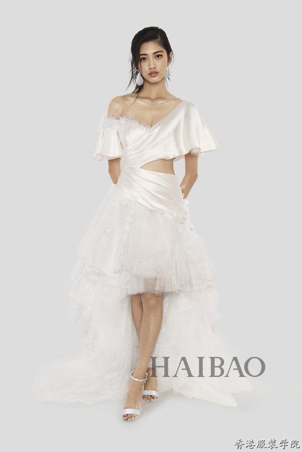 设计师兰玉全新打造的十二星座婚纱礼服惊艳亮相,12件工艺精湛的华服为不同性格的独立女性量身打造,每一件都展现了婚纱高定女王令人赞叹的手工造诣与审美趣致。    兰玉十二星座婚纱系列    兰玉十二星座婚纱系列   我们的高定婚纱女王兰玉近日在纽约发布2017春夏高级成衣系列,而这次设计兰玉还有特别以十二星座为灵感设计了12件工艺精湛的华服,来诠释不同性格的独立女性。那么,这次不写图注,让你来猜每件婚纱与其对应的星座的,看你心目中的星座性格是否与兰公子一致呢 (悄咪咪告诉你,顺序有提示哦!