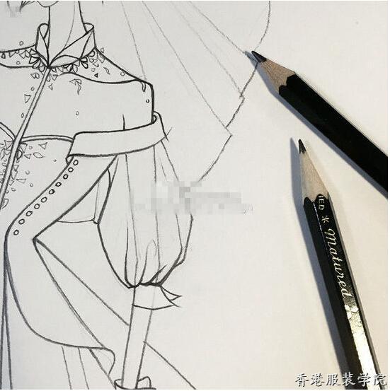 7月25日,有高定婚纱女王之称的知名设计师兰玉在微博晒出婚纱设计手稿,并称:特别的婚纱献给特别的你,这一次终于轮到我们的全民女神。信封背面致林小姐和2016.7.29无不指向即将于巴厘岛大婚的林心如。   此前,女神林心如捧场兰玉在巴黎应邀举办的LANYU兰玉高级定制2016秋冬系列发布会,不知看完高定婚纱秀后女神对心中的嫁衣是否也怦然心动了呢!