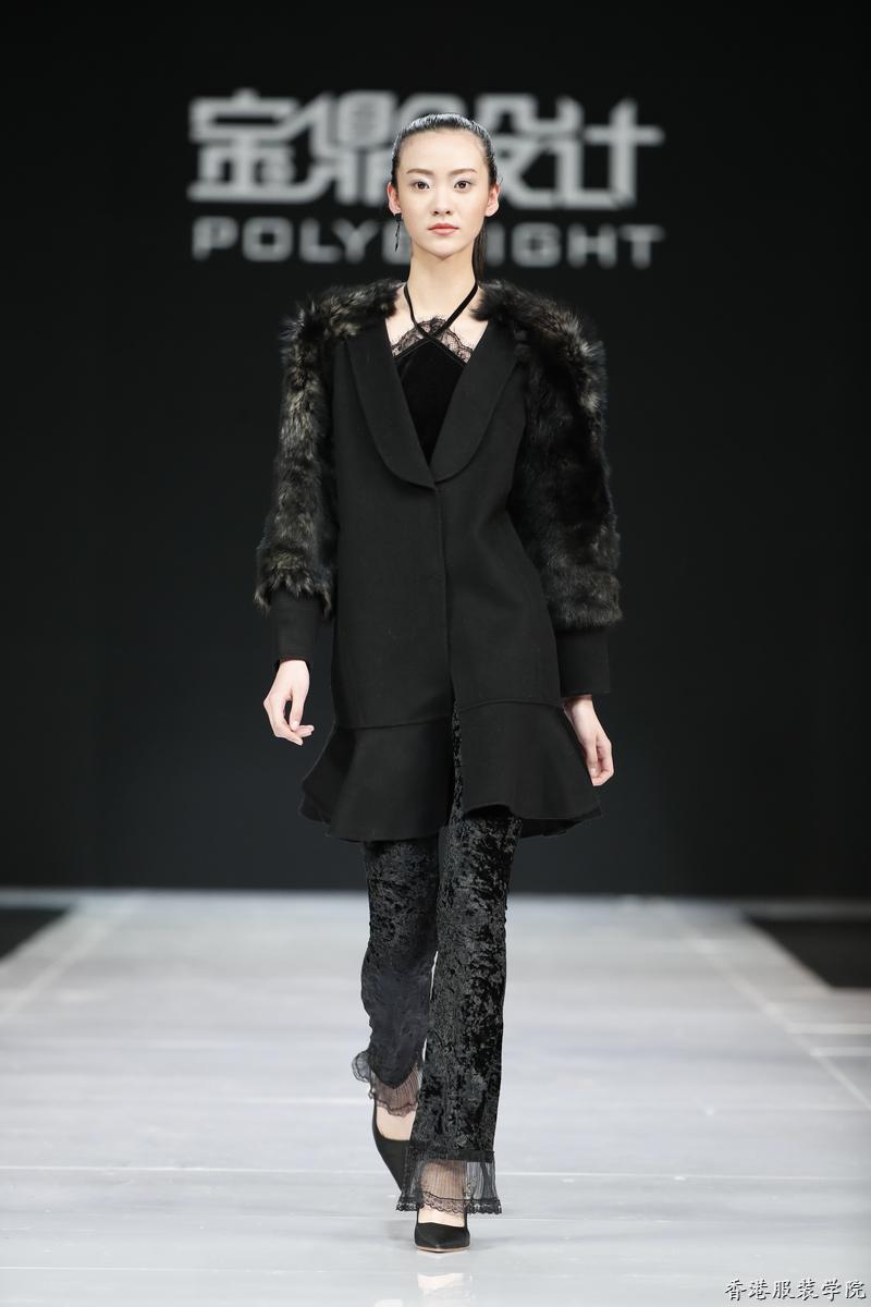 设计师王飞亮相中国国际时装周