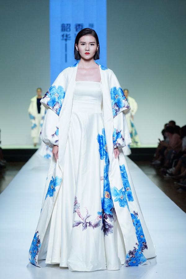 服装设计效果图中国风廓形