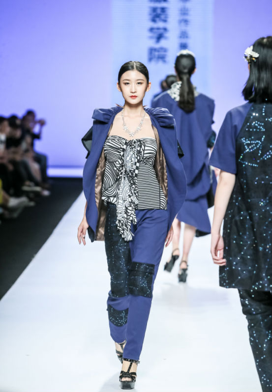 香港服装学院2018服装设计毕业作品展亮相广东大学生时装周