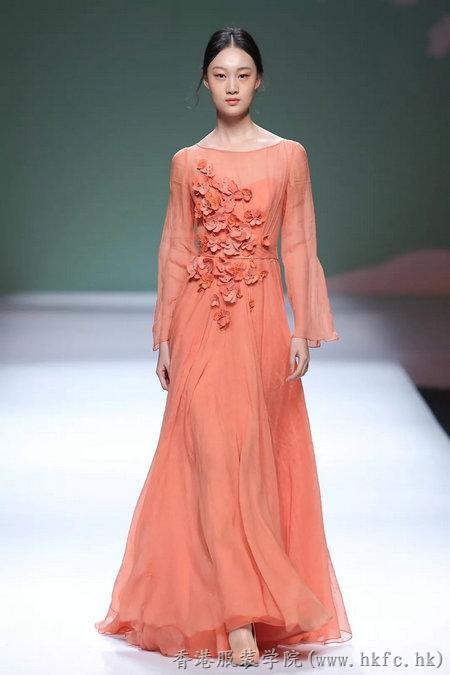 香港服装学院2018服装设计毕业作品展亮相广东大学生时装周 立裁初